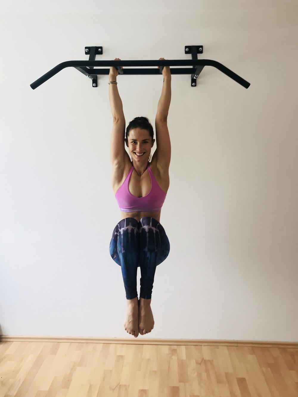 Straight Hanging Crunches, SportScheck, Yoga, Klimmzug