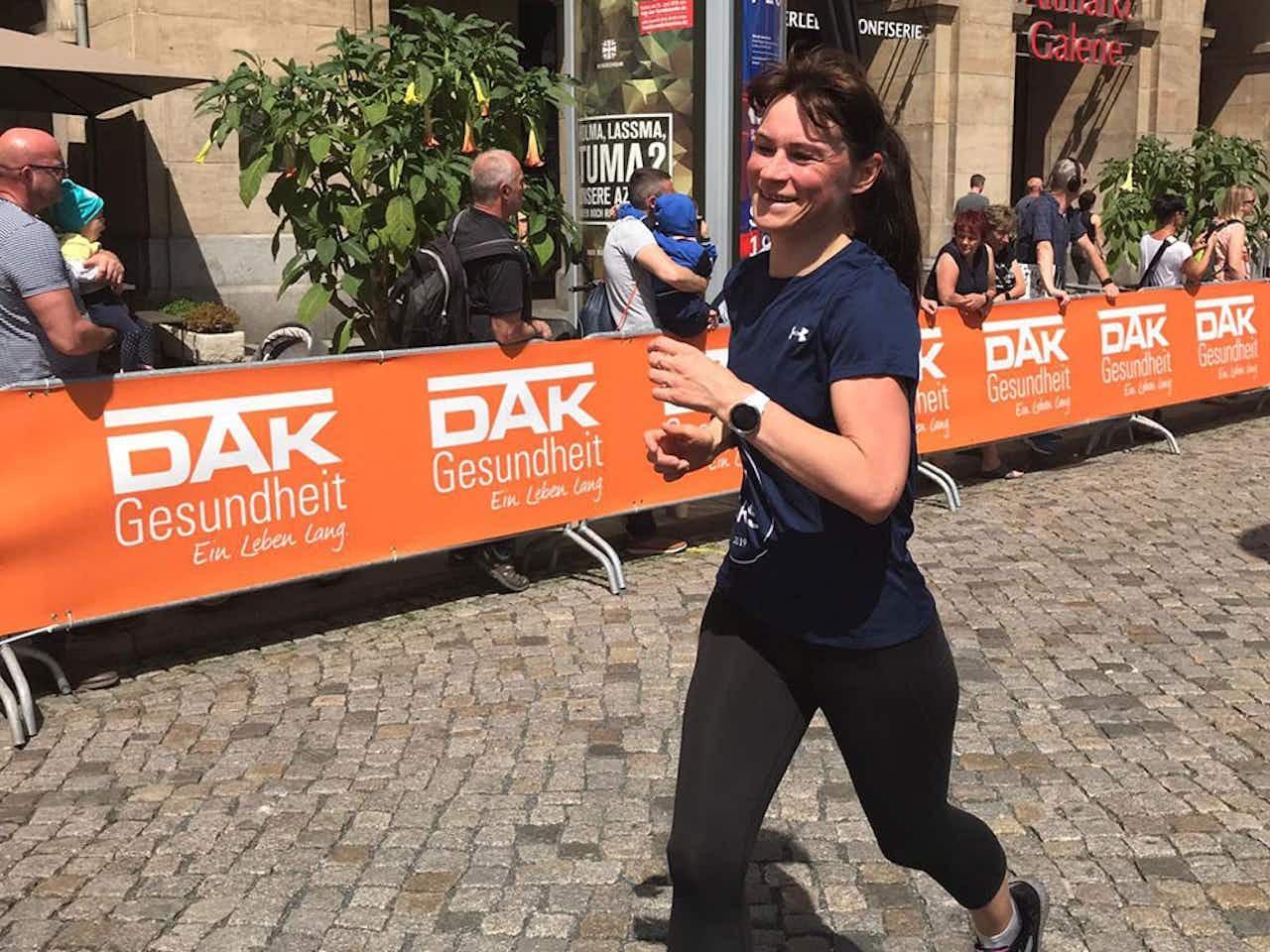 Läuferin beim Stadtlauf in Dresden