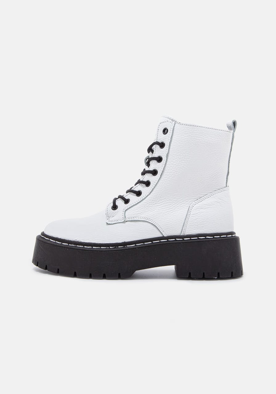 ROSA STERN Mary Boot white/black