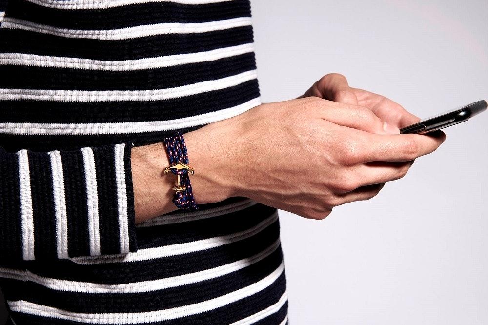 Ce Bracelet B&G LES HAUBANS est en Acier et Corde Bleue