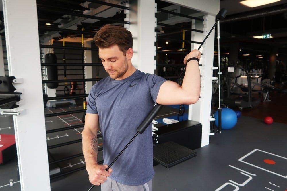 Schulter aufwärmen beim Sport