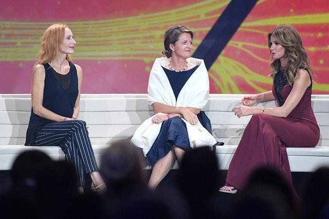 Andrea Sawatzki, Johanna Ruoff (Mattisburg e.V.) und Mareile Höppner auf der Bühne