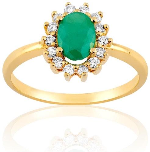 Cette Bague CLEOR est en Or 750/1000 Jaune, Diamant et Emeraude Verte