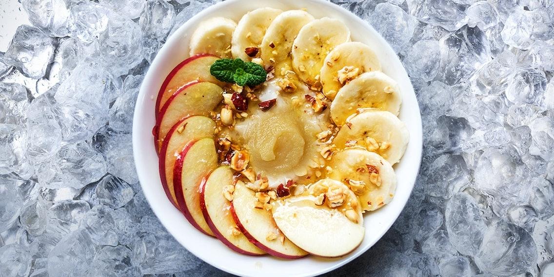 Hundeeis Rezept mit Haferflocken, Banane und Apfelmus