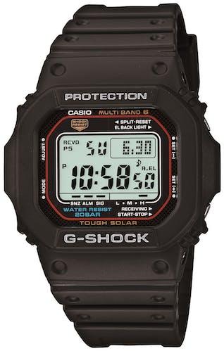 Cette montre G-SHOCK se compose d'un Boîtier Carré de 43.2 mm et d'un bracelet en Résine Noire