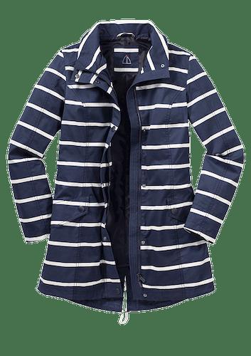 Dunkelblaue Jacke mit weißen Streifen.