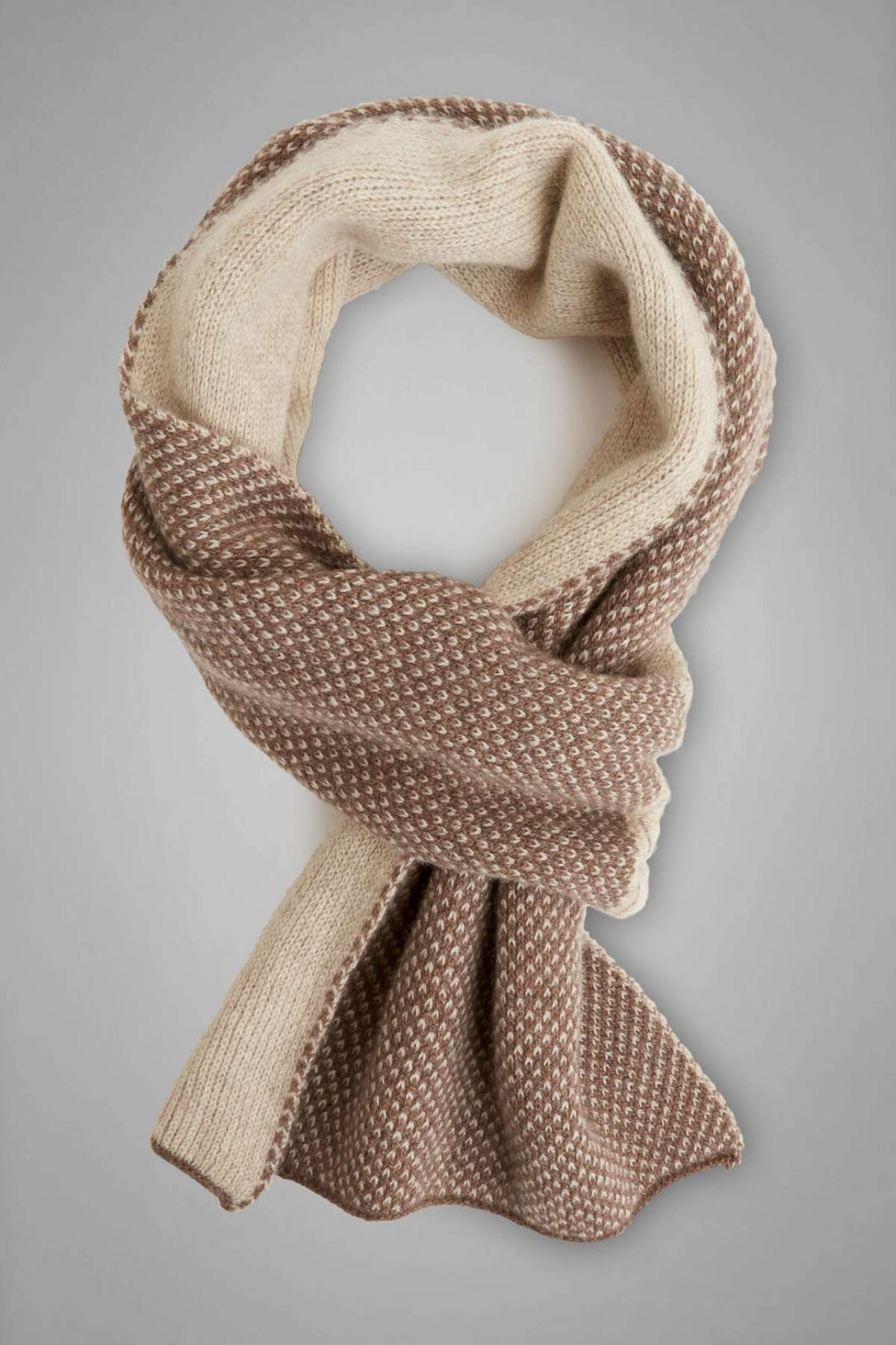 best Christmas presents for Dads pure cashmere scarf by Boggi Milano