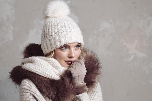 frau, woman, mütze, hat, knit, knitting, strick, stricken, handschuhe, pullover, jacke, bommel.