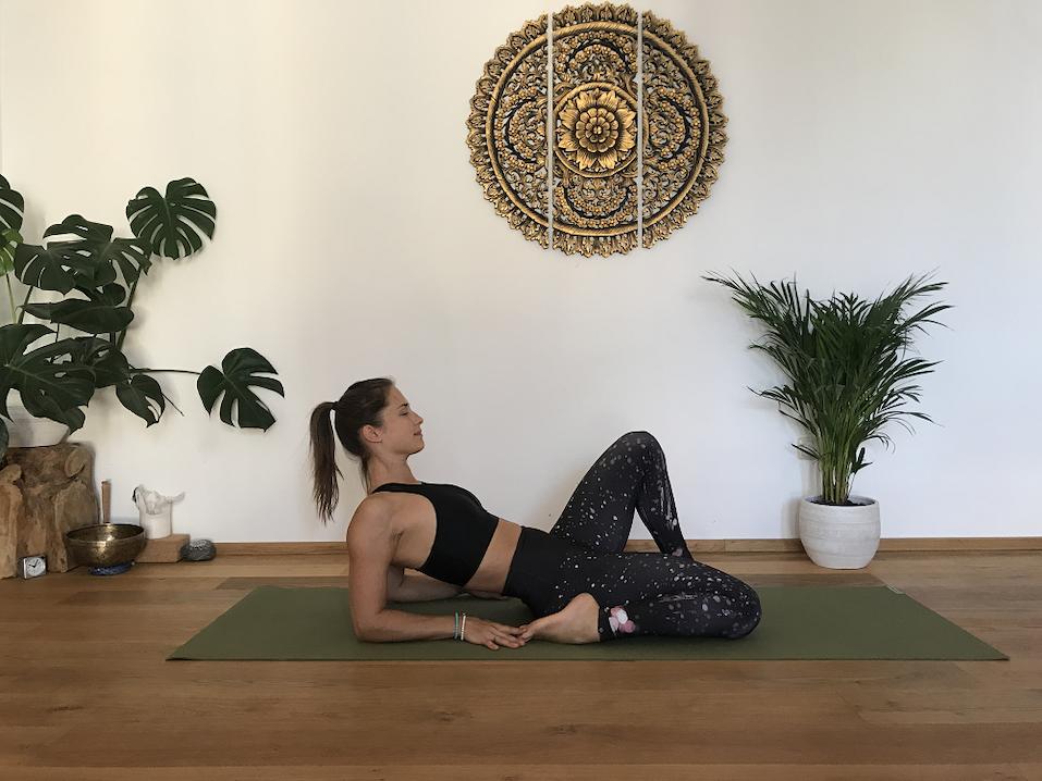 Ardhana Virasana Yoga Position