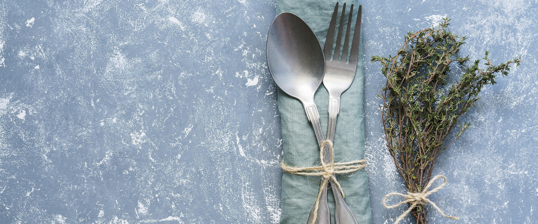 Glänzende Weihnachten – Besteck und Schmuck aus Silber reinigen