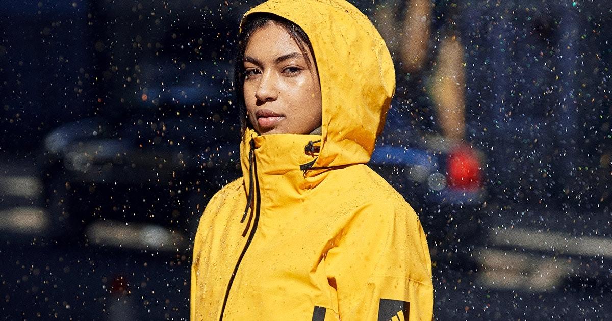Herbstblues ade: Trend gelbe Regenjacke | SportScheck Blog