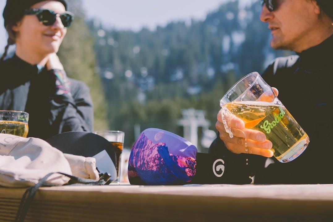 One size, gogglesoc ist dehnbar und passt auf die meisten Skibrillenmodelle