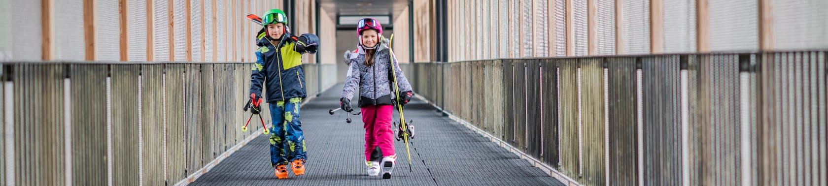 Skibekleidung und Skiausrüstung Kinder