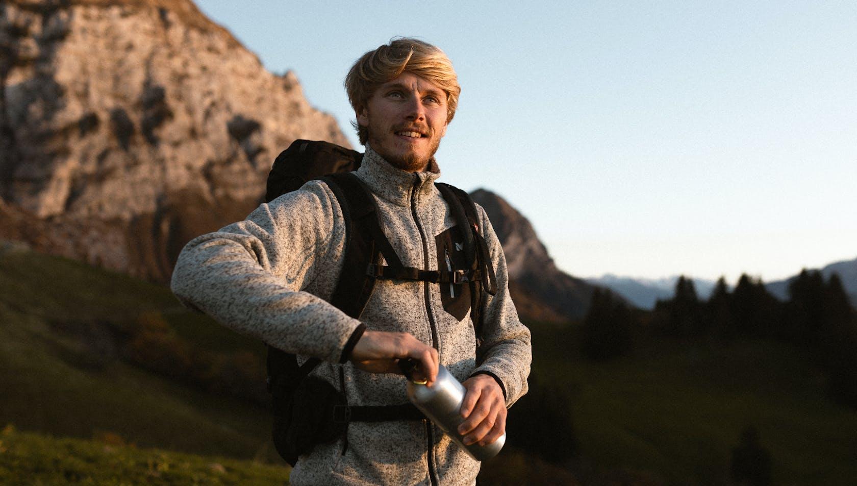 Abbigliamento trekking da uomo