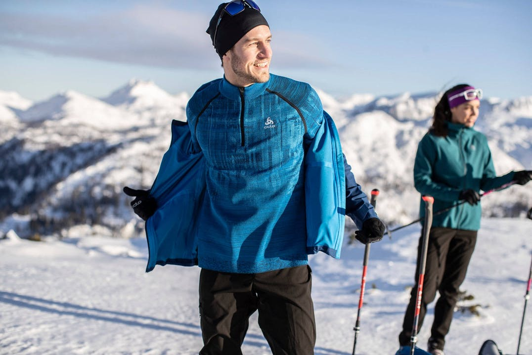 Bekleidung im Zwiebelprinzip für trockene Wärme bei kalten Temperaturen