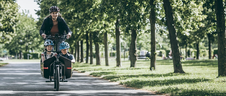 Nicht nur für Lieferungen,  e-Cargo Bikes eignen sich auch für Ausfüge mit der Familie!