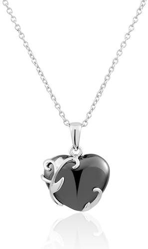 Ce Collier CLEOR est en Argent 925/1000 et Céramique Noire en forme de Cœur
