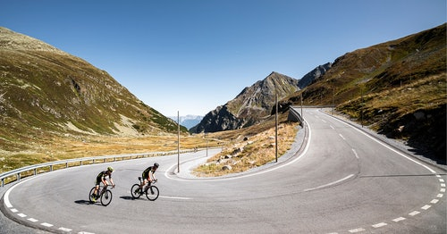 Cycling through the Swiss Alps with Nino & Andri