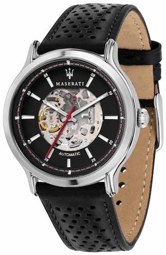 Cette montre MASERATI se compose d'un boîtier Rond de 42 mm et d'un bracelet en Cuir Noir