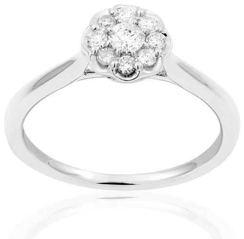 Cette Bague LADY DIAMONDS est en Or 750/1000 Blanc et Diamant Blanc