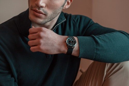 Cette Montre pour Homme CHRONOSTAR TOBEDEFINE se compose d'un Boîtier Rond de 40 mm et d'un Bracelet en Métal et Acier Bleu