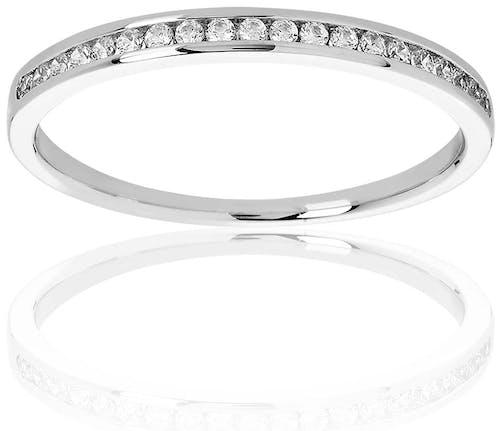 Cette Alliance PROMESSE est en Or 750/1000 Blanc et Diamant Blanc  -