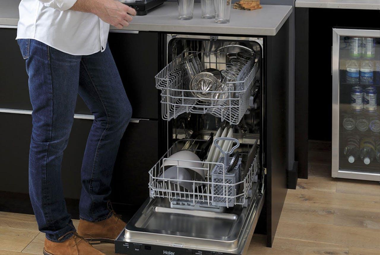"Haier 18"" dishwasher"