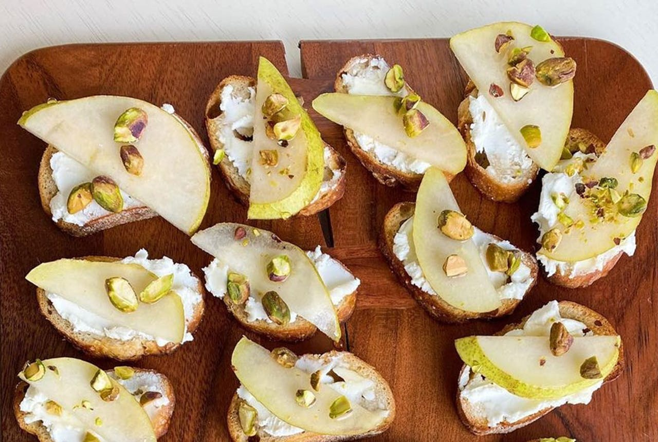 Crostini with Goat Cheese, Pear & Honey