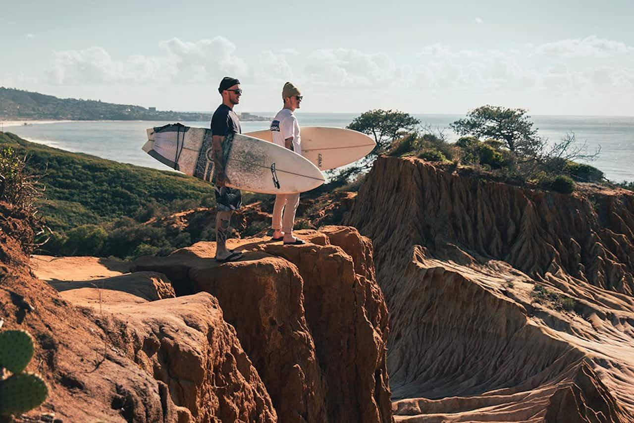 Salt & Silver beim Surfen in Kalifornien