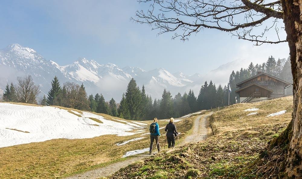Frauen beim Wandern