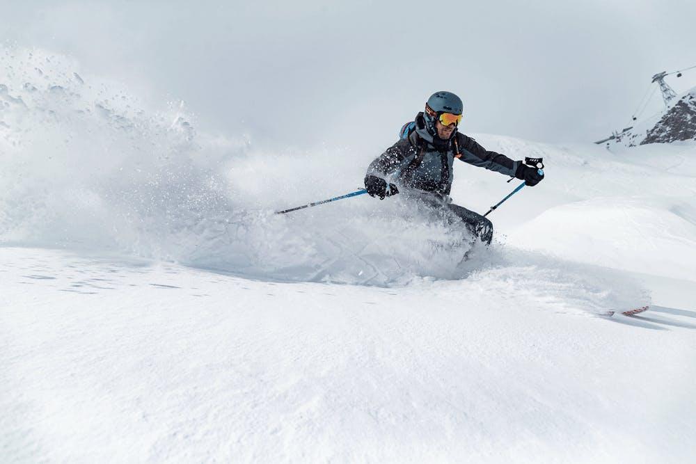 Powder-Spaß beim Skifahren in Stubai