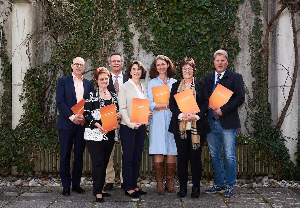 V.l.n.r. Prof. Dr. Klaus Gutknecht (elaboratum), Christine Borst (BM Krailling), Heinrich Hofmann (BM Planegg), Michaela Pichlbauer (Vorständin Rid Stiftung), Uta Wüst (BM Gräfelfing), Dr. Brigitte Kössinger (BM Gauting), Harald Zipfel (BM Neuried).