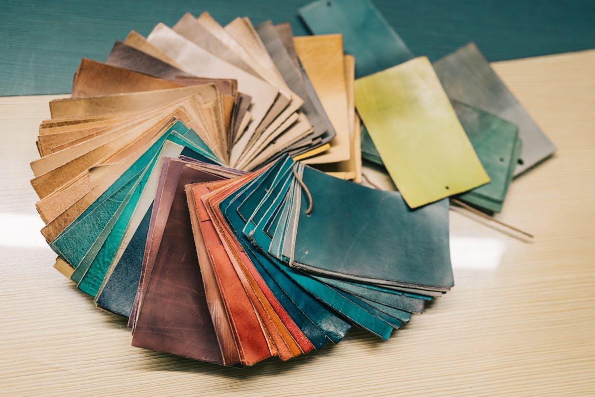 Unikatowe kolory własne odcienie kolorowa moda Melvin & Hamilton
