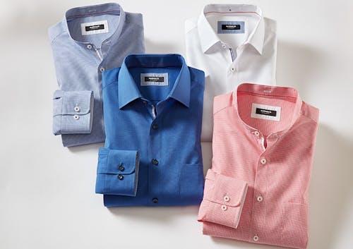 Vier Hemden_2 mit Stehkragen_2 mit Kent-Kragen