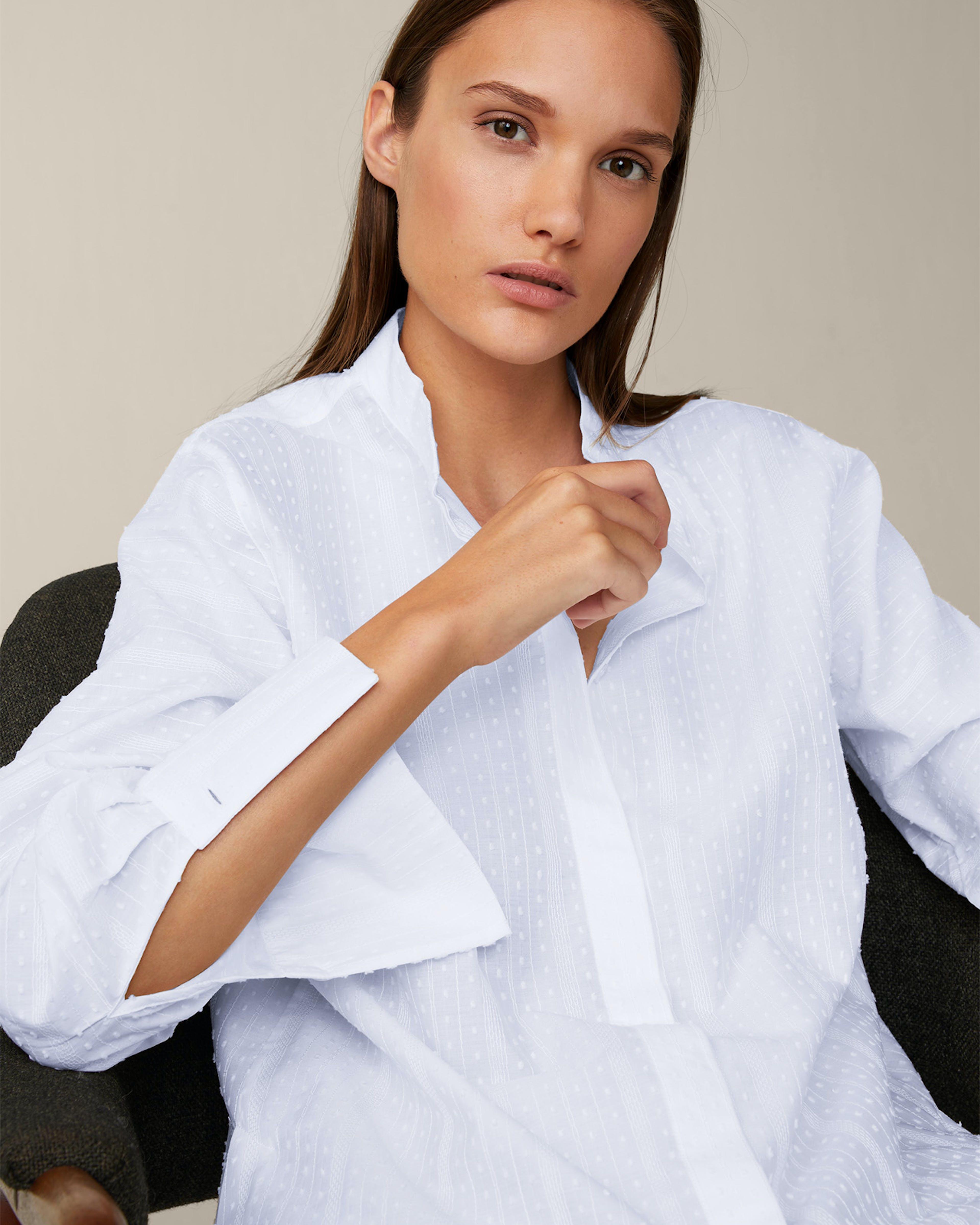 Bluse aus Baumwoll-Batist-Fil-Coupé in Weiss