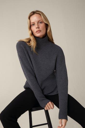 Merino-Pullover mit Stehkragen in Grau