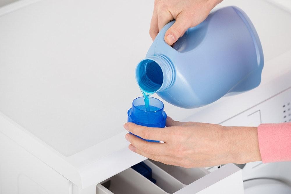 Outdoorkleidung waschen mit Spezialwaschmittel