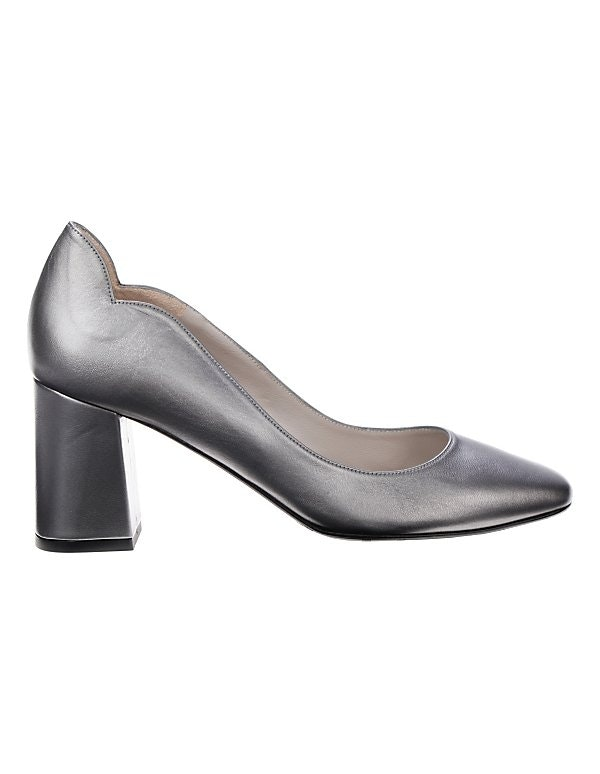 Leder-Pumps im Metallic-Look