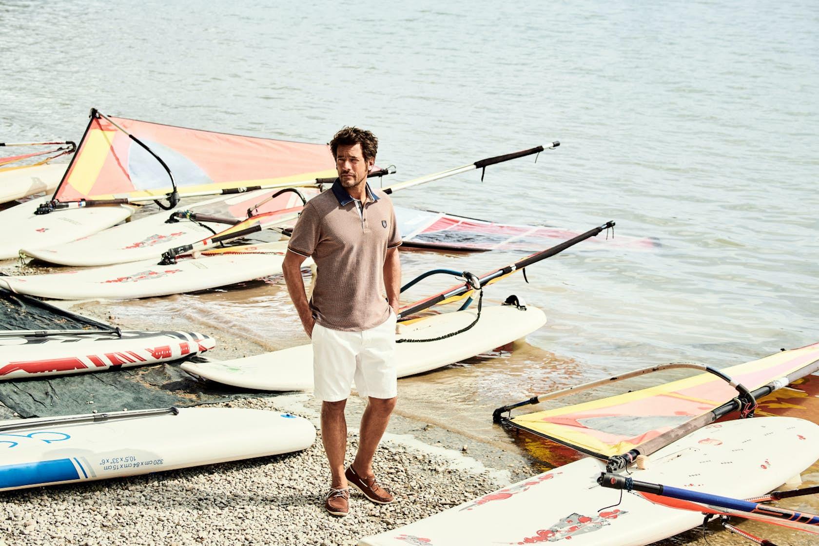 RAGMAN Man of Joy Herren Outfit Poloshirt mit Windsurfing am Strand