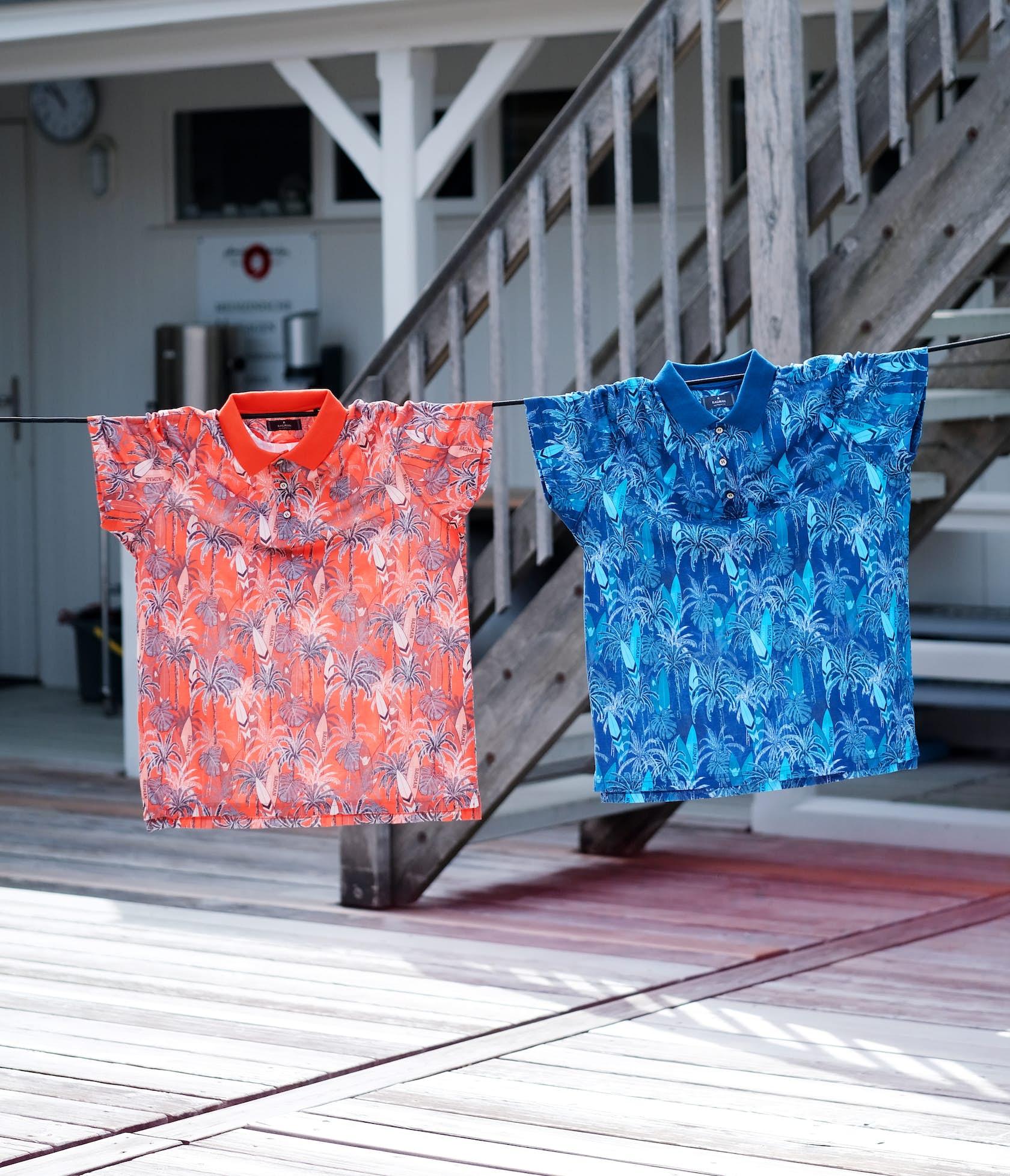 Poloshirts mit tropischen Prints