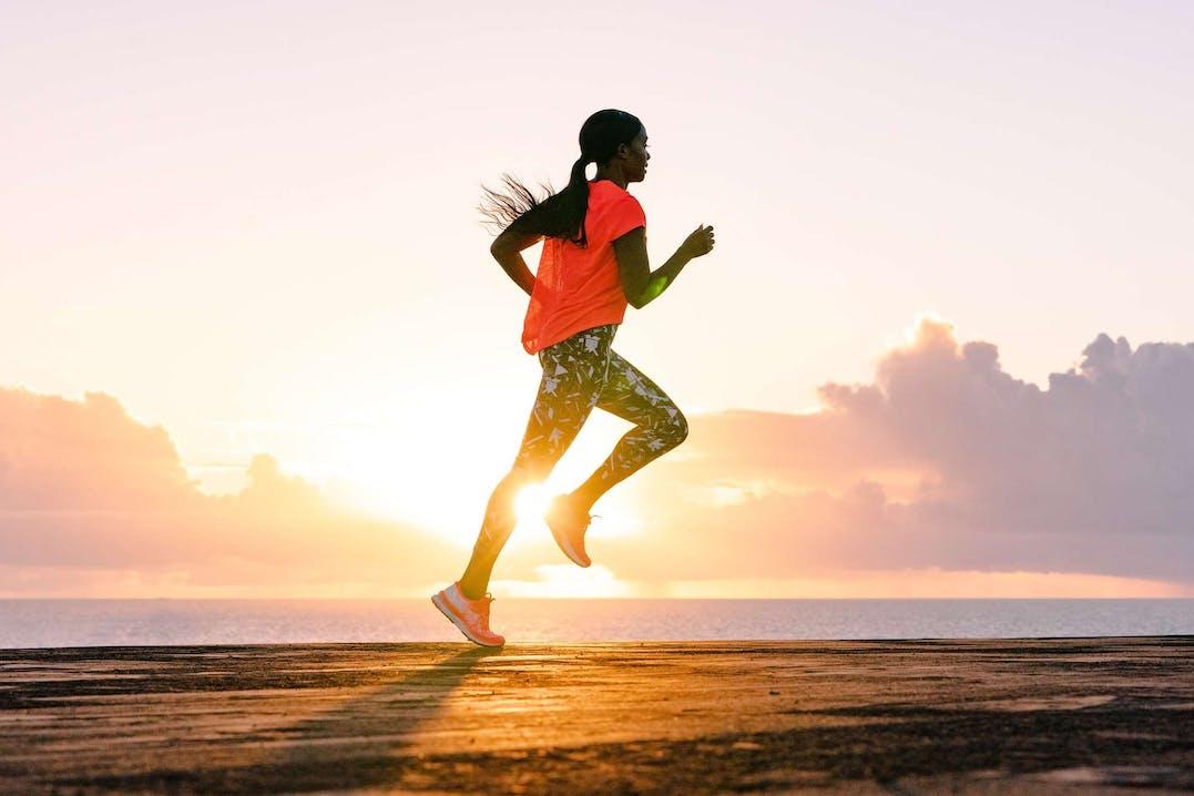 Foto di donna che corre