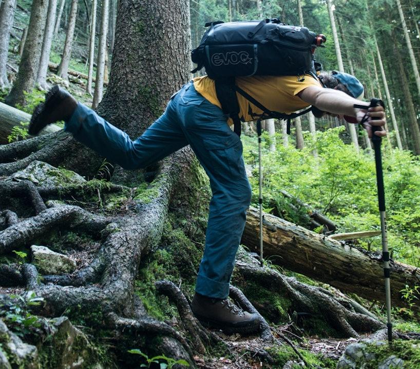 Wie-stelle-ich-meine-Trekkingstöcke-richtig-ein