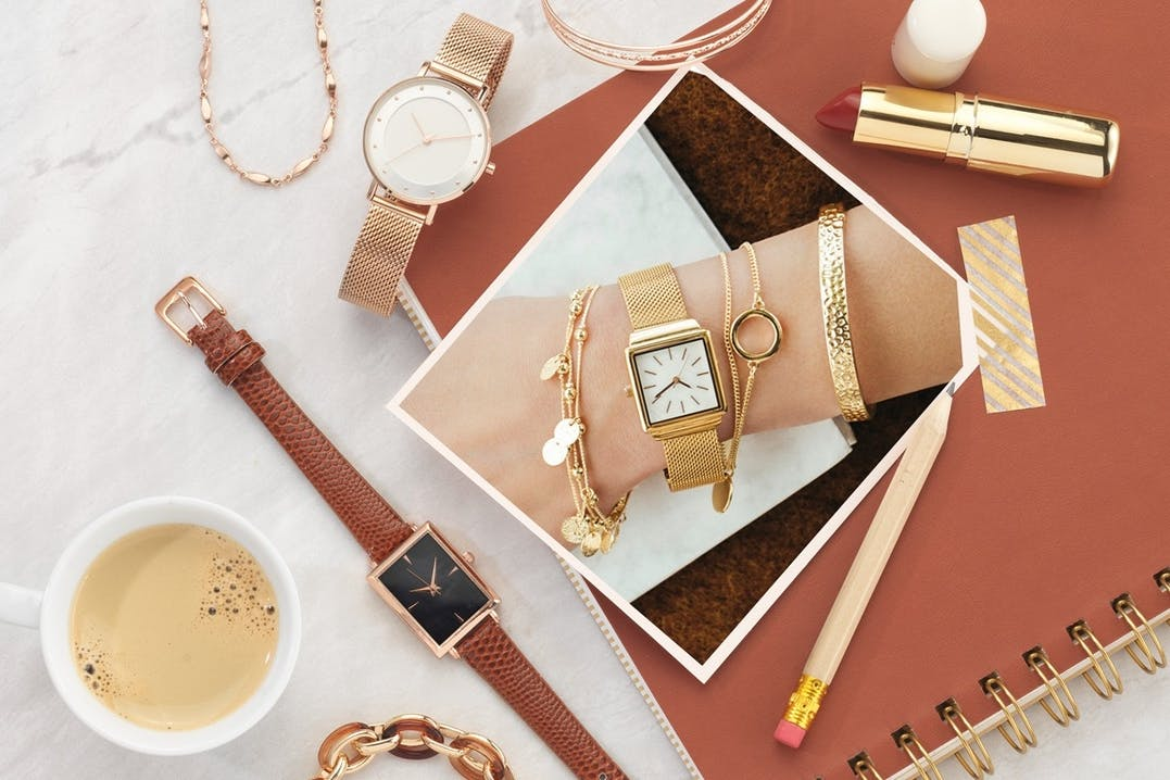 gold, goldschmuck, Gold Jewellery, gold, uhr, lippenstift, armbanduhr, kaffee, armband, armkettchen, stift, block, zeichenblock