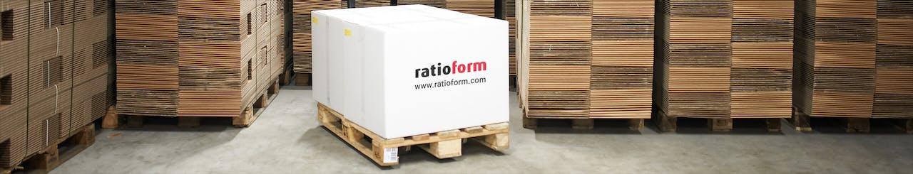ratioform Palette gestapelte Kartons