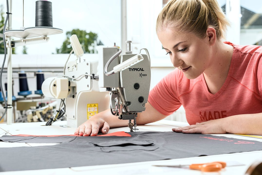 Löffler-Bekleidung-Herstellung