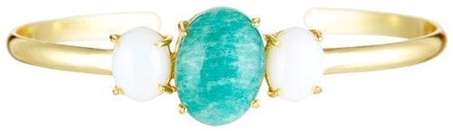 Porté seul ou en association, ce Bracelet Gladys doré à l'allure minimaliste, montés d' amazonite verte , viendra parfaire votre style tout en douceur Ce bijou sera livré dans son écrin, accompagné de son certificat d'authenticité et garantie 12 mois.Matière principale : Laiton