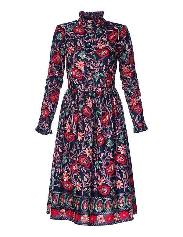 Kleid mit Paisley-Muster und langen Ärmeln