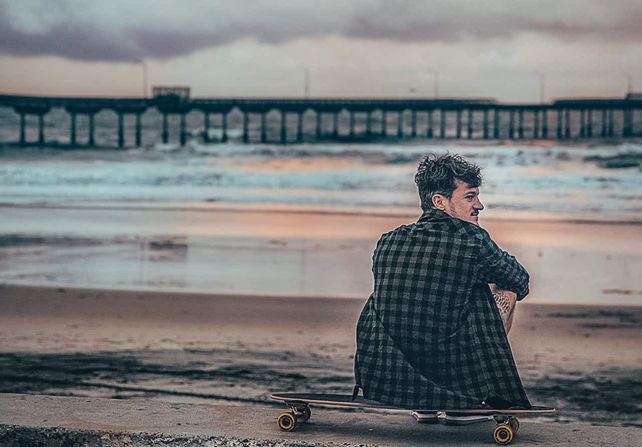 Jo von Salt & Silver am Strand
