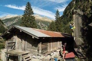 Bouldern-Zillertal-Wellblechkante
