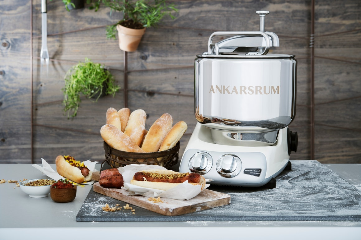 Ankarsrum Ambiente mit Hot Dog